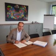 Notaris tekent oprichtingsakte